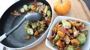 Kohlsprossen-Kürbis-Gemüse mit Speck