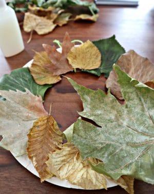 Ein Herbstkranz – Bastelidee für Kinder unter 3 Jahre