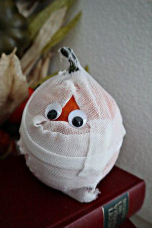 Halloween Deko – Ein süßer Mumien Kürbis
