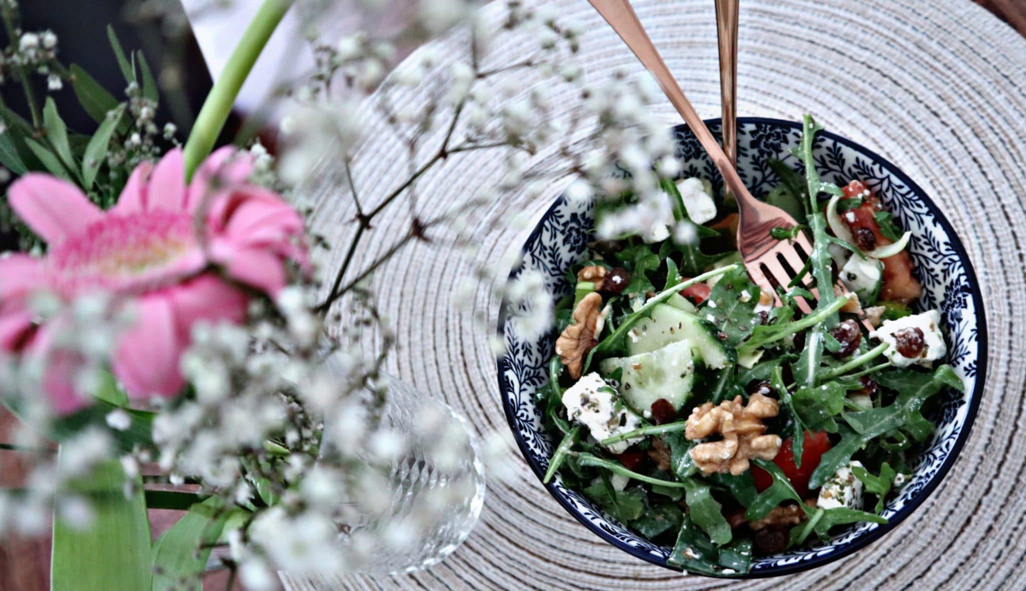 Rucola-Feta-Salat mit Balsamico Dressing